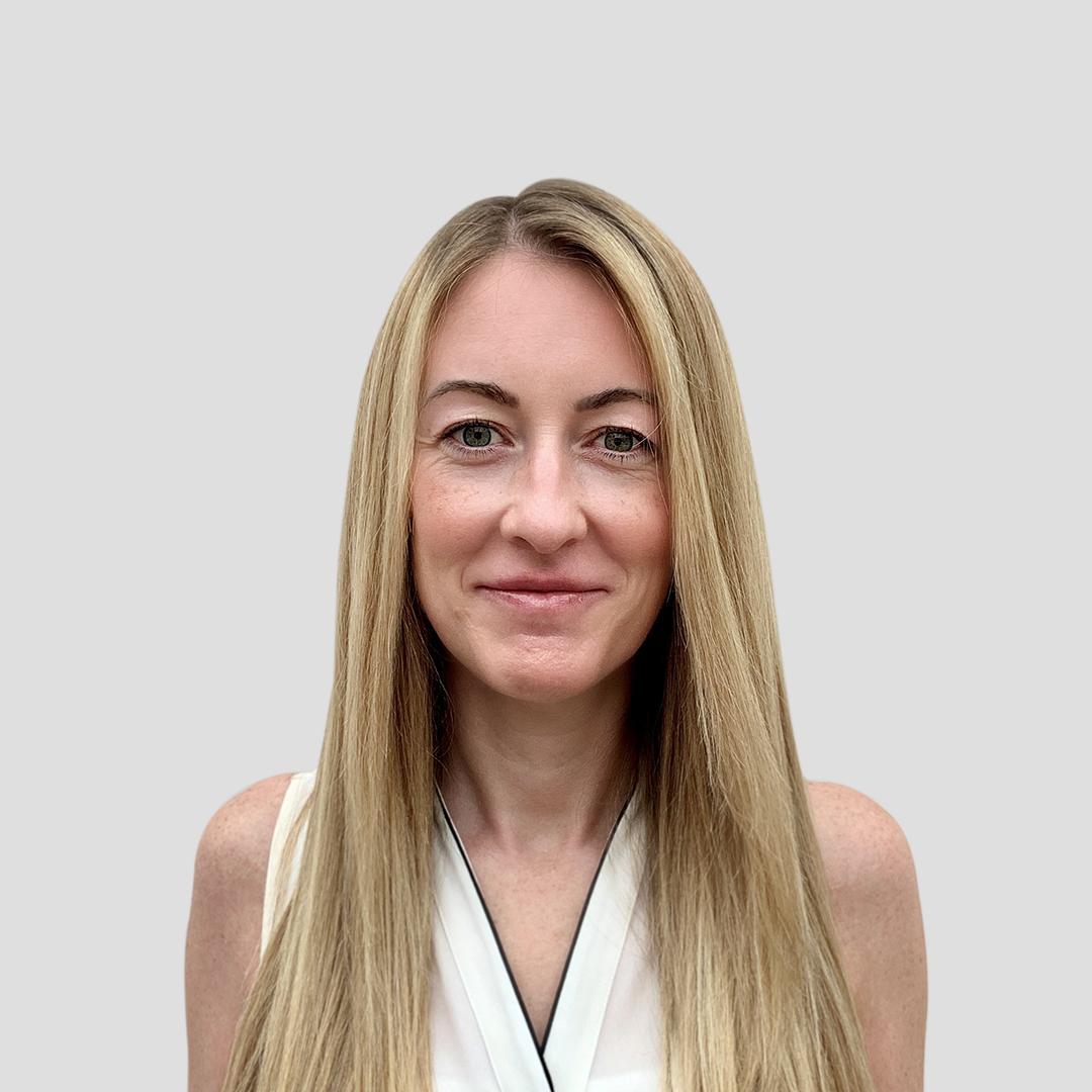 Joanne Russell Headshot